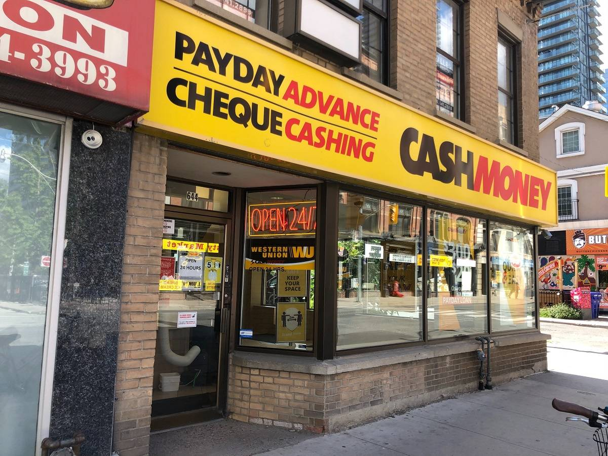 Cash Money store at 644 Yonge St