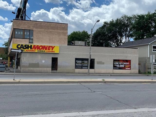 Cash Money store at 1682 Jane St Toronto, ON M9N 2S2