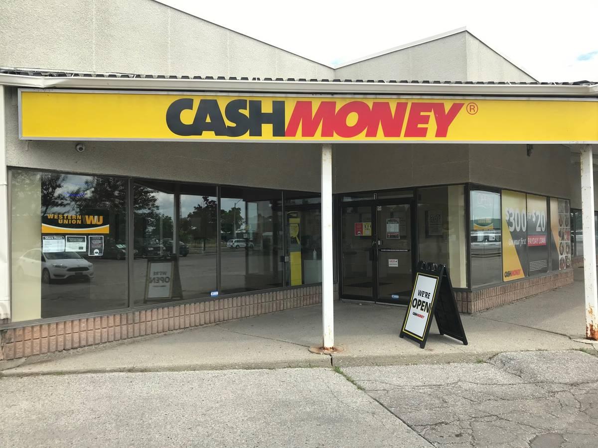 Cash Money store at 10737 Yonge St Richmond Hill, ON L4C 9M9