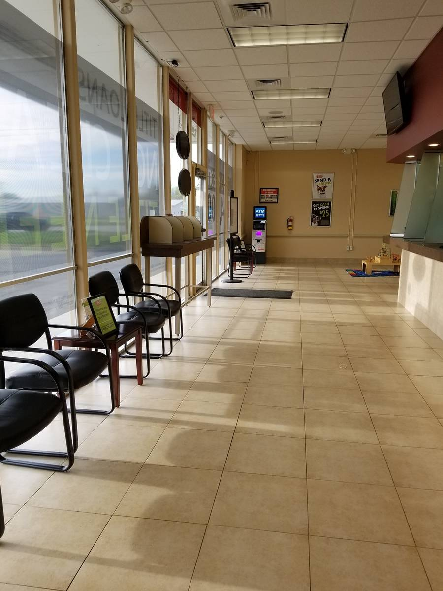 Speedy Cash lobby on Topeka and Bowery