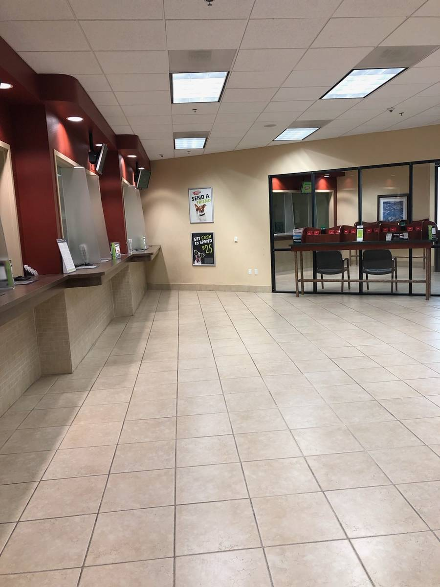 Speedy Cash lobby on McDowell and Scottsdale