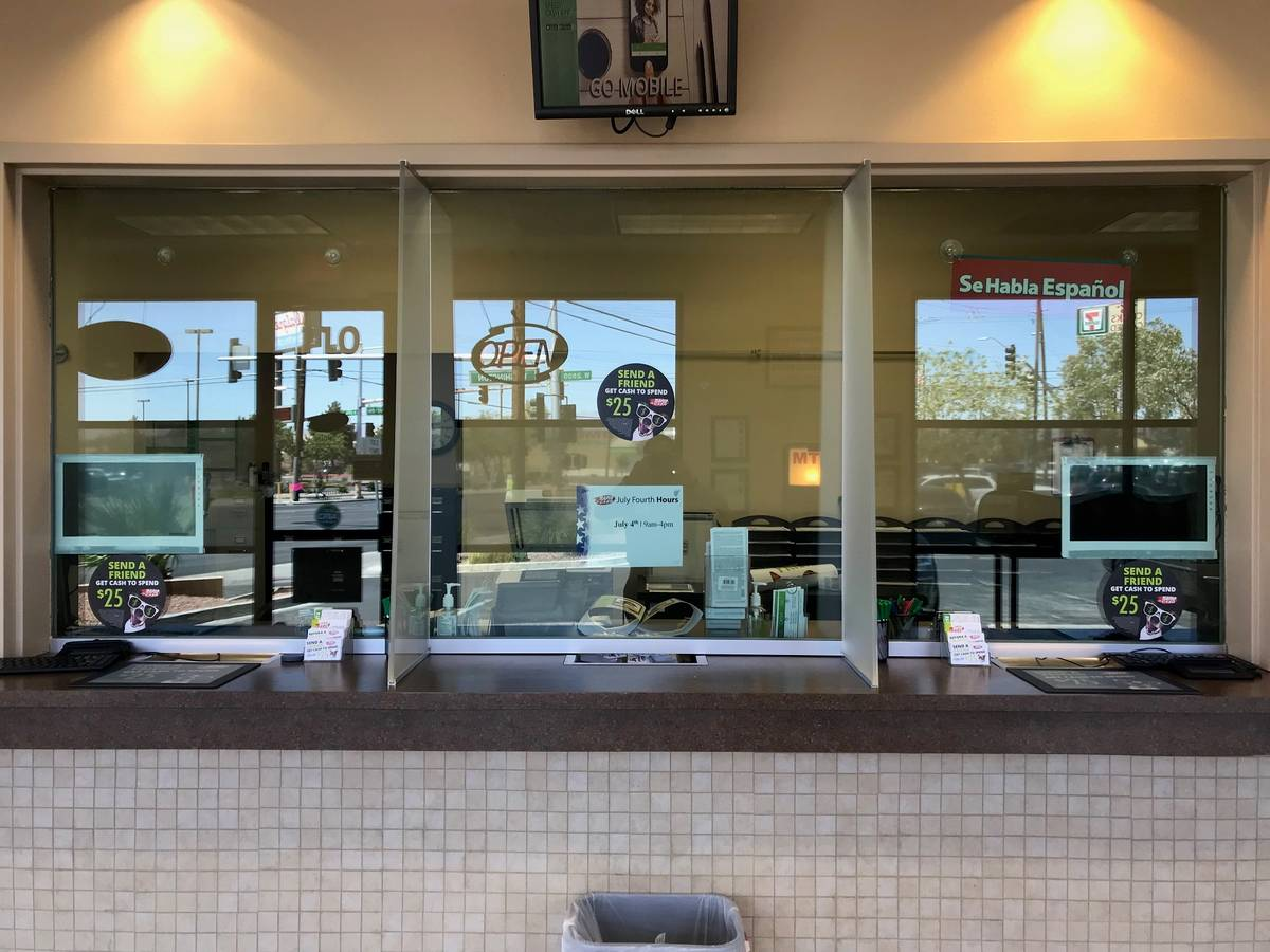 Rapid Cash lobby on W. Washington