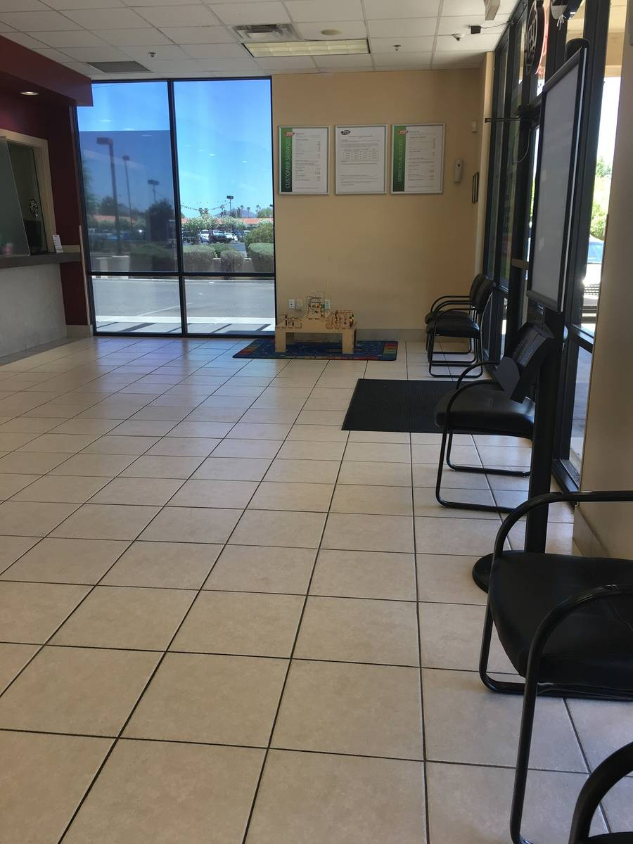 Speedy Cash lobby on W. Olive in Glendale